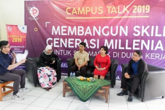 Talkshow dengan tema 'Campus Talk 2019' bertempat di SMKN 2 Kota Tangerang Selatan yang digelar Universitas Mercu Buana, UMB/Humas.
