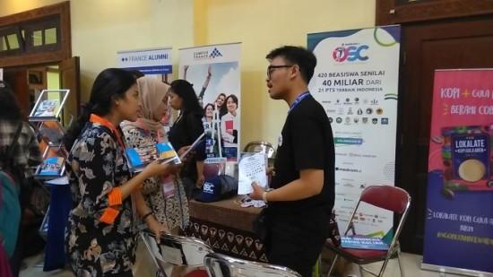 Stan OSC Medcom.id di WISH Festival 2019 di Yogyakarta. Foto:  Medcom.id/Patricia Vicka
