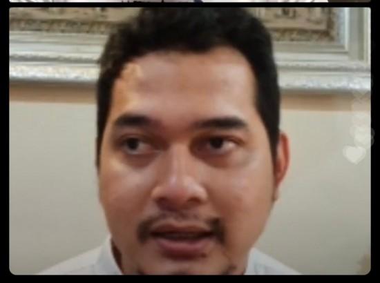 Aktor sekaligus dosen Institut Sekolah Tinggi Ilmu Administrasi Mandala Indonesia (Stiami), Cholidi Asadil Alam. Tangkapan layar.
