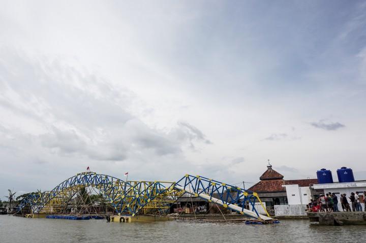 Jembatan Apung Pertama di Indonesia Segera Dioperasikan