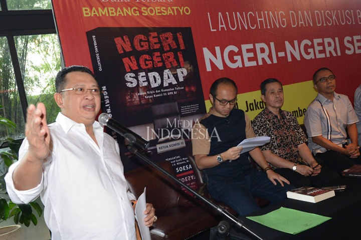 Kapolri Hadiri Peluncuran Buku Bambang Soesatyo