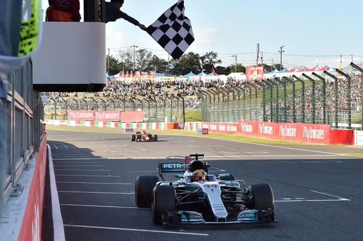 Juara GP Jepang, Hamilton Makin Tatap Gelar Juara Dunia