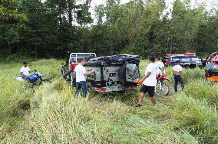 Pesona <i>Off-road</I> di Padang Savana Bombana