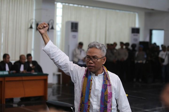 Buni Yani Divonis 1 Tahun 6 Bulan Penjara