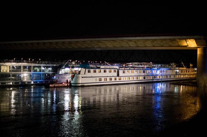 Kapal Pesiar Swiss Tabrak Jembatan di Jerman
