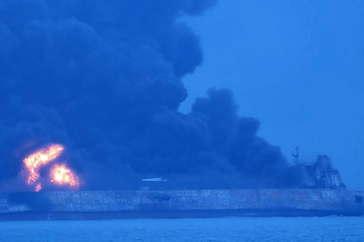 32 Orang Hilang dalam Tabrakan Kapal Tanker di Tiongkok