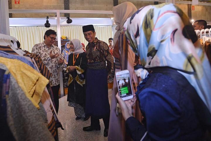 Jokowi Harap Desain Busana Muslim Berciri Khas Indonesia