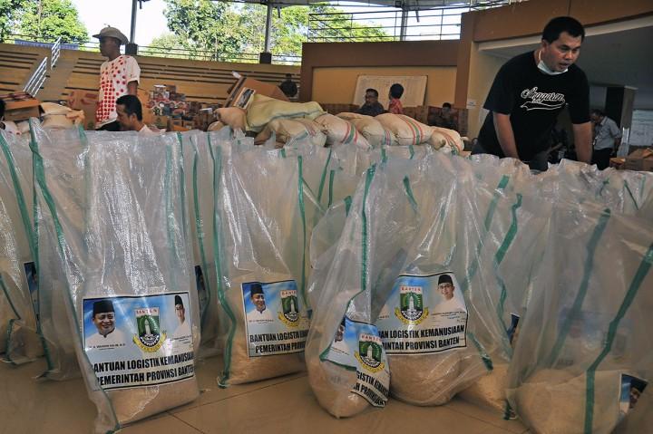 Logistik untuk Pengungsi Tsunami Serang Cukup 2 Minggu ke Depan