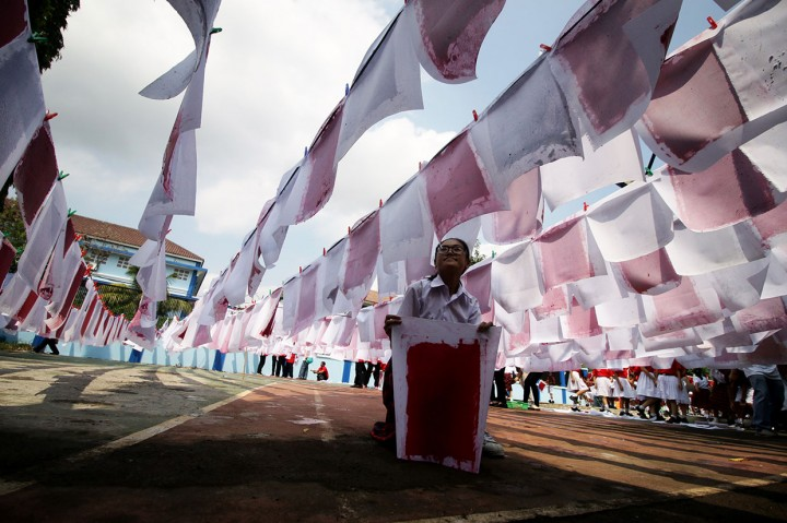 SD Tarakanita 5 Pecahkan Rekor MURI Daur Ulang Kertas