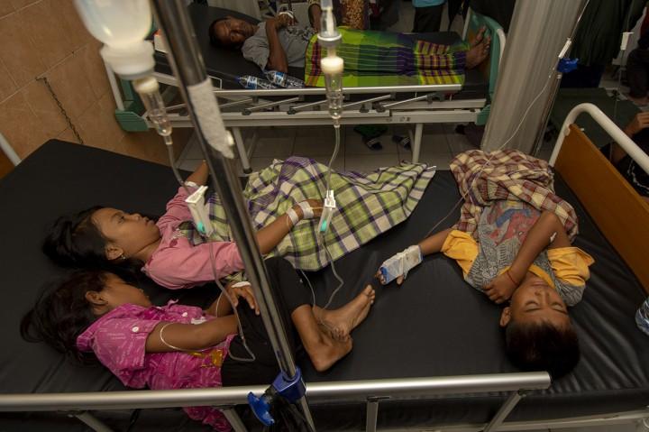 Puluhan Pengungsi di Palu Keracunan Nasi Bungkus