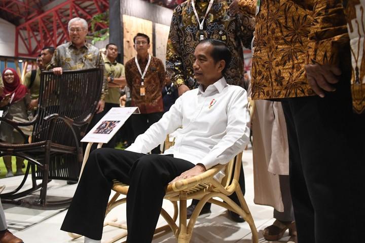 Tinjau Ifex 2019, Jokowi Harap Industri Mebel Tumbuh 2 Digit