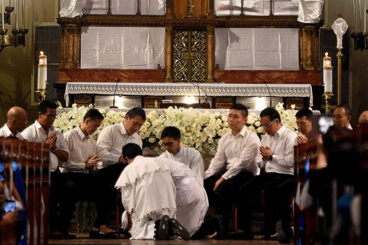 Umat Katolik Rayakan Misa Kamis Putih