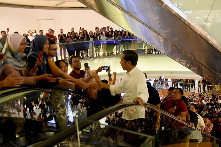 Jokowi Ajak Erick Thohir Makan Siang di Grand Indonesia