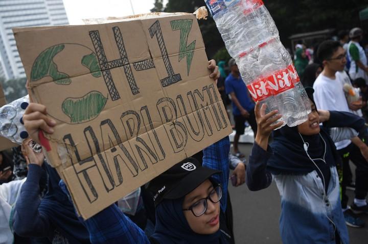 Peringati Hari Bumi, Mahasiswa UI Gelar Aksi di CFD