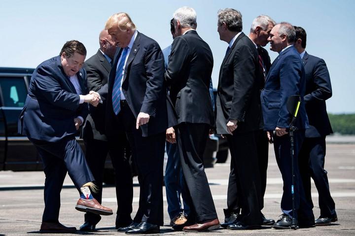 Pengawal Iring-iringan Mobil Donald Trump Alami Kecelakaan