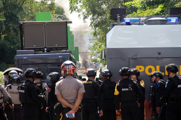 Dua Pos Polisi di Pontianak Dibakar
