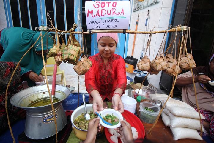 Serunya Tradisi Lebaran Ketupat di Berbagai Daerah