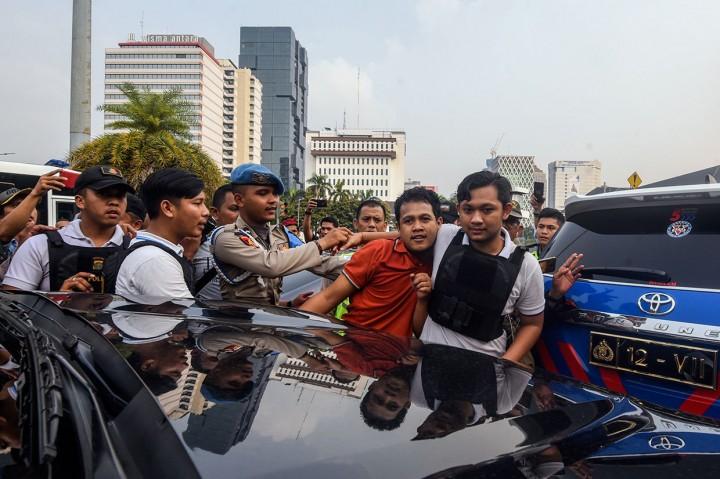 Pria Diduga Provokator Diamankan di Medan Merdeka Barat