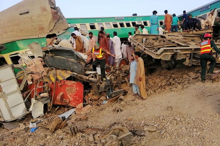 9 Orang Tewas dalam Kecelakaan Kereta di Pakistan