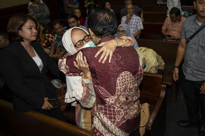 Dua Hakim PN Jaksel Divonis 4 Tahun 6 Bulan Penjara