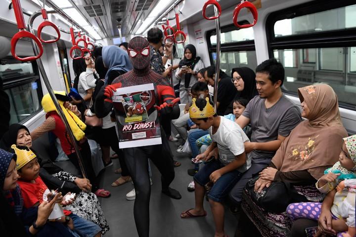 Komunitas Spiderman Donasi untuk Pasien Hidrosefalus