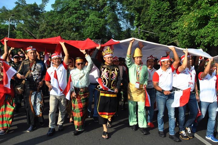 Ribuan Warga Ikuti Arak Bendera Merah Putih di Bogor