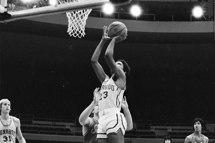 Jersey Basket Obama Laku Dilelang Rp1,7 Miliar