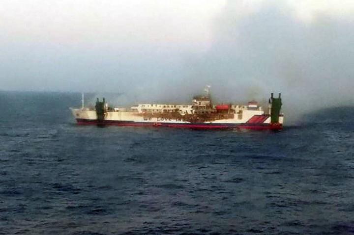 Kapal Terbakar di Perairan Masalembu, 23 Penumpang Hilang
