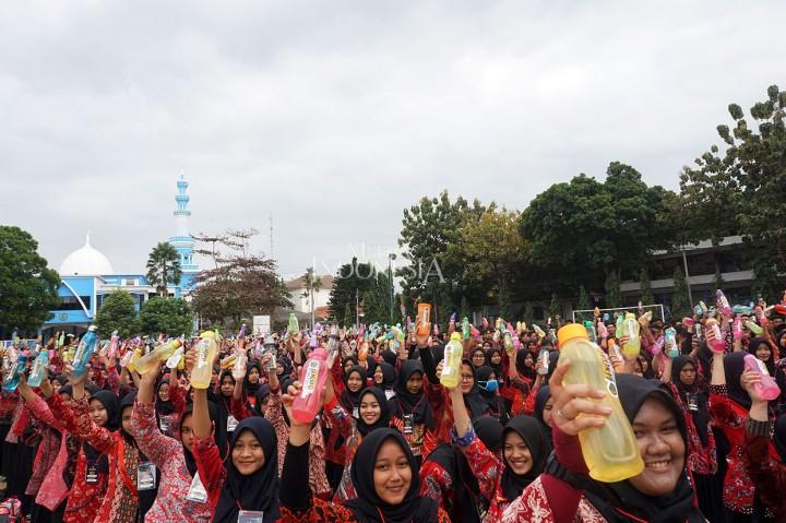 Mahasiswa UMP Deklarasikan Generasi Bijak Plastik