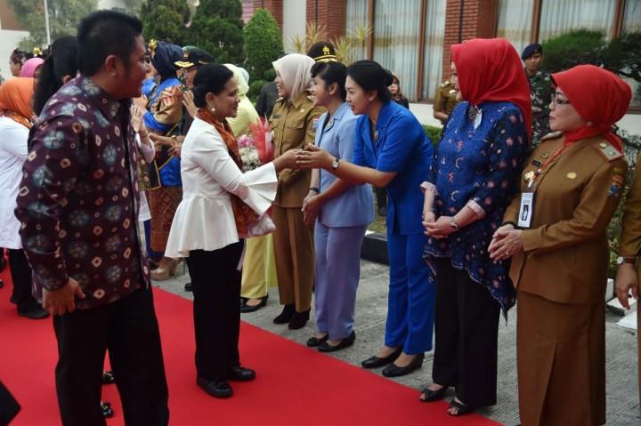 Ny Iriana Sosialisasi Bahaya Narkoba di Palembang