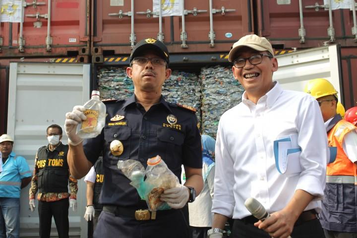 Bea Cukai Pulangkan 9 Kontainer Sampah Plastik ke Australia