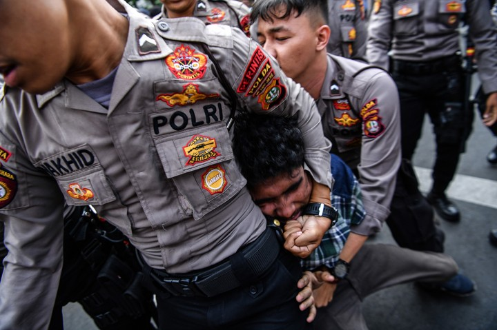 Aksi HMI Tolak Firli Bahuri dan RUU KPK Ricuh