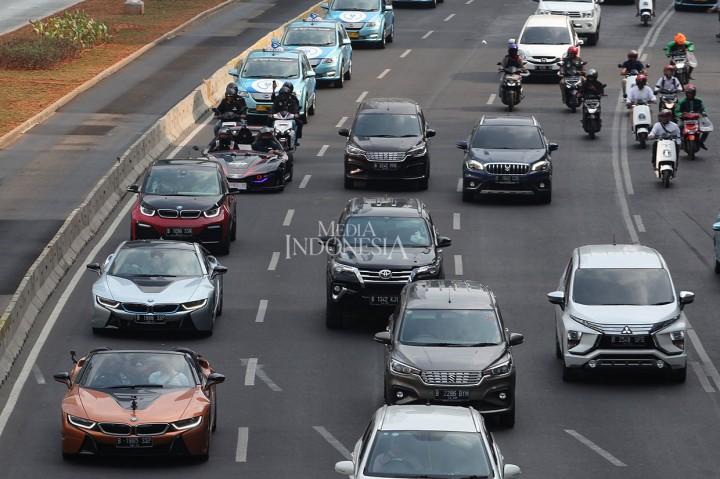 Sambut Formula E, Mobil Listrik Konvoi di Ibu Kota