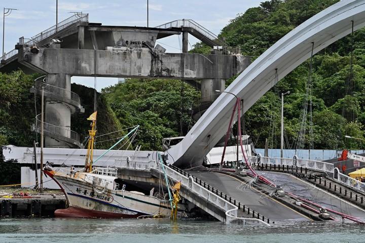 Jembatan di Taiwan Ambruk, 2 WNI Meninggal