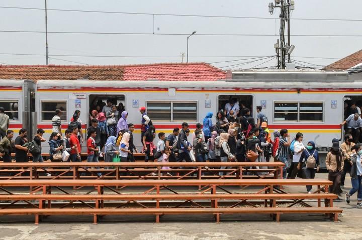 Pelayanan KA Jarak Jauh Rencananya Dipindah ke Manggarai