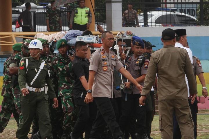Momen Saat Wiranto Diterbangkan ke RSPAD Gatot Soebroto