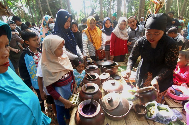Ramainya Pengunjung Pasar Witwitan Banyuwangi