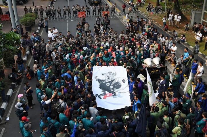 Mahasiswa Desak Jokowi Keluarkan Perppu KPK
