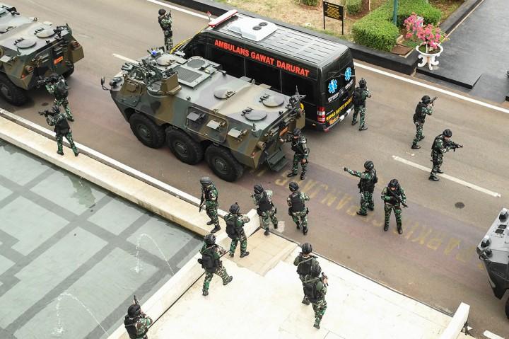 Aksi Paspampres Saat Simulasi Pengamanan Pelantikan Presiden