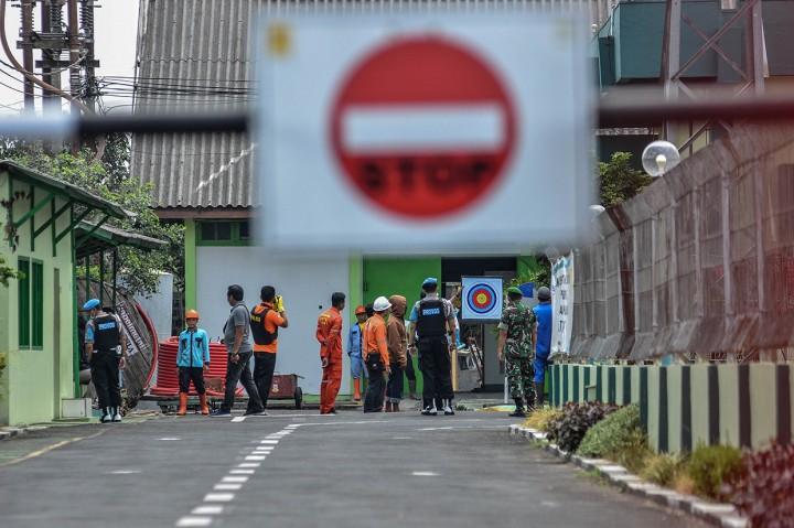 Densus 88 Geledah Ruang Kerja Terduga Teroris di Gardu Induk PLN
