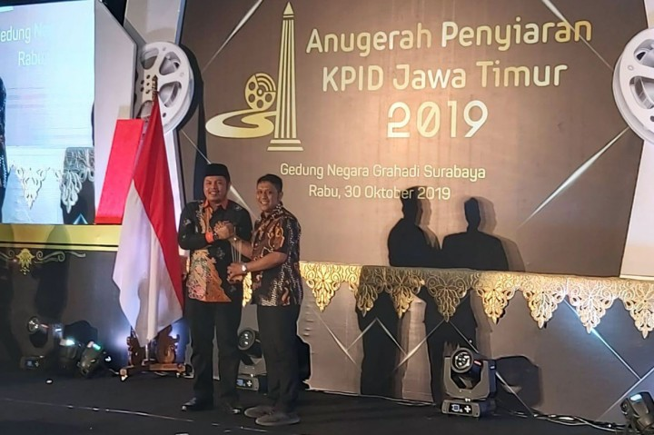 Metro TV Jatim Raih 2 Penghargaan KPID Award