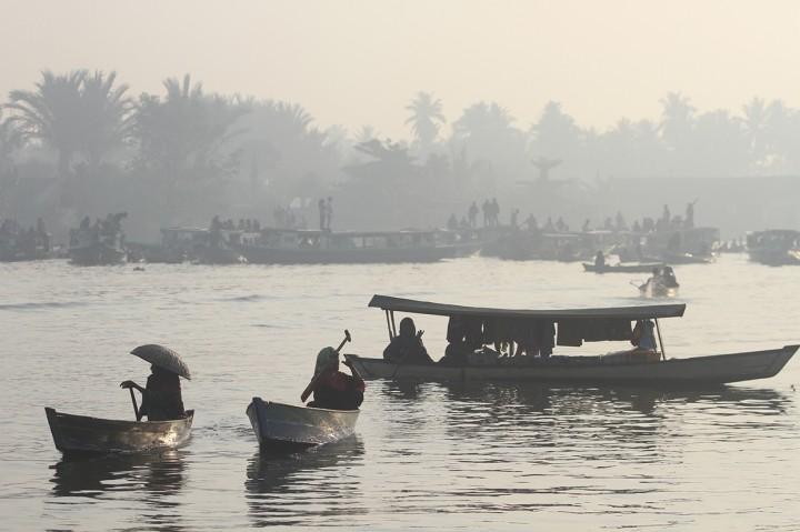 Pasar Terapung Lok Baintan Diselimuti Kabut Asap