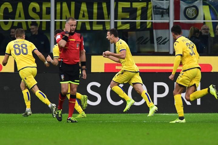 Bungkam Verona 2-1, Inter Milan Rebut Puncak Klasemen