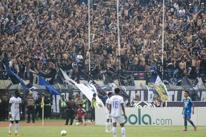 Persib Gilas Arema FC 3-0 di Jalak Harupat