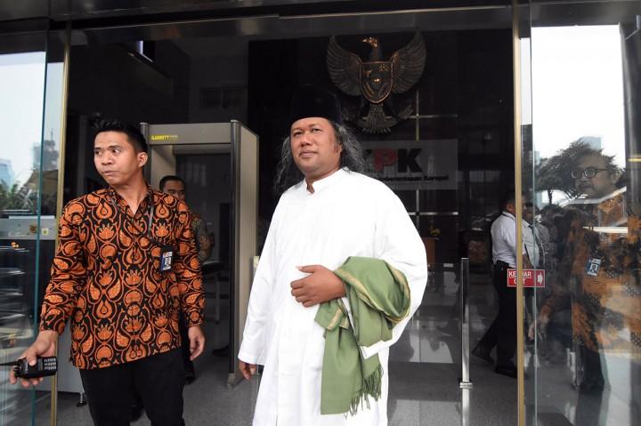 Tausiah di KPK, Gus Muwafiq Bicara Politik Uang