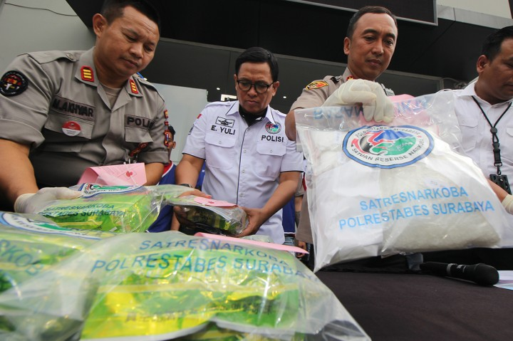 Polisi Bekuk 4 Pengedar Sabu di Surabaya