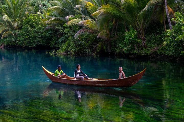 Cantiknya Danau Paisupok di Banggai Kepulauan