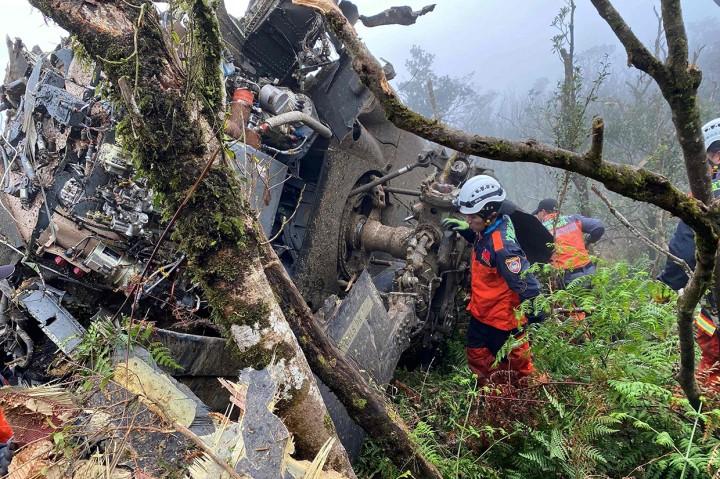 Panglima Militer Taiwan Tewas dalam Kecelakaan Helikopter Black