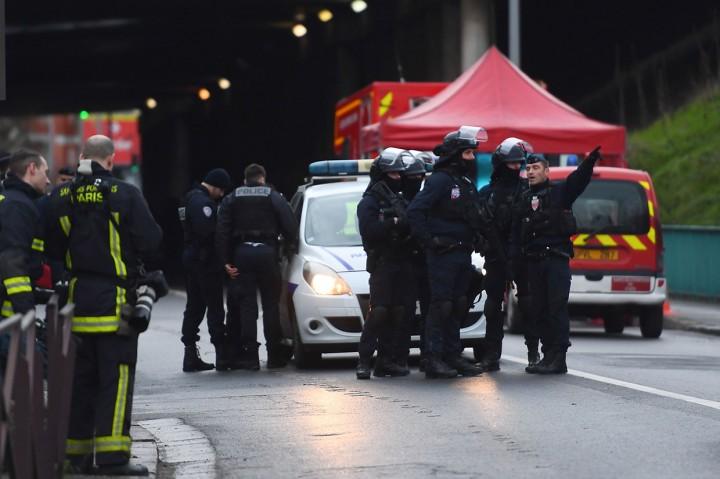 Tewaskan Satu Orang, Pelaku Penikaman Ditembak Mati