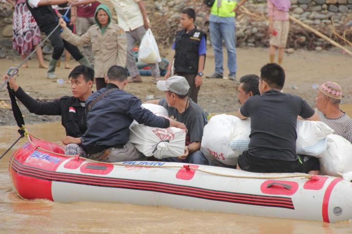 BUMN Beri Bantuan Korban Banjir di Lebak